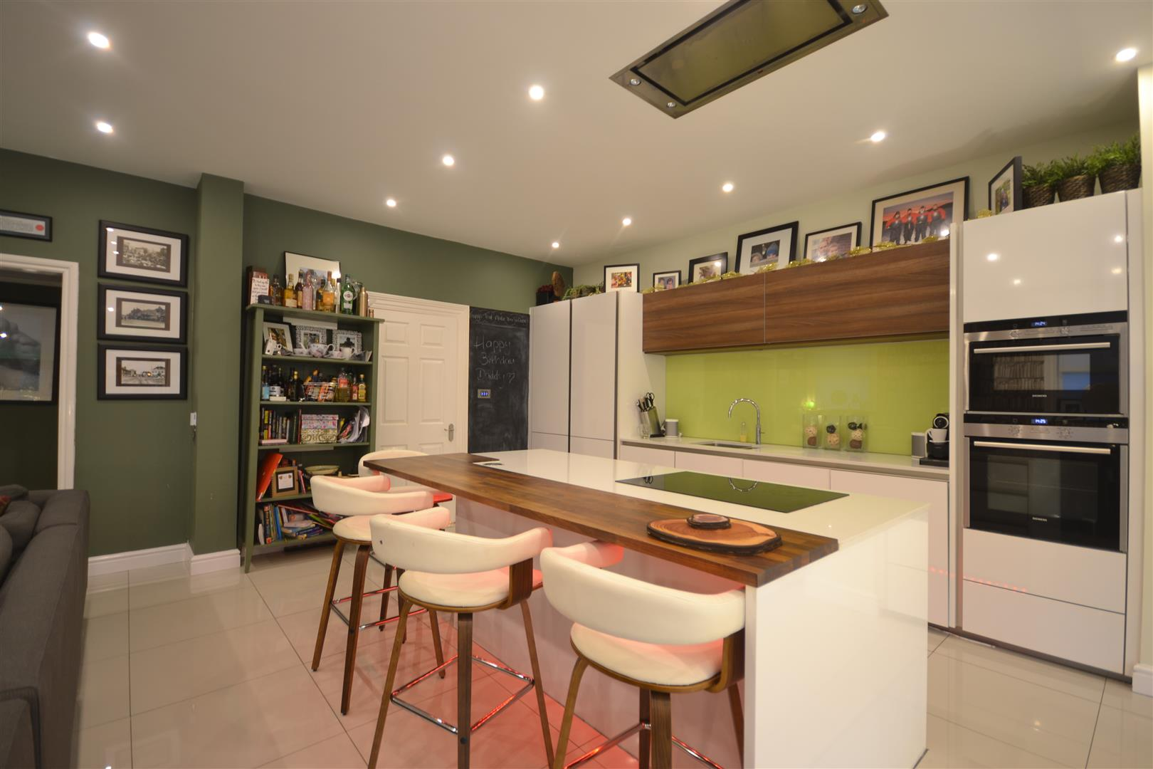 KITCHEN DINER ALT 1.jpg